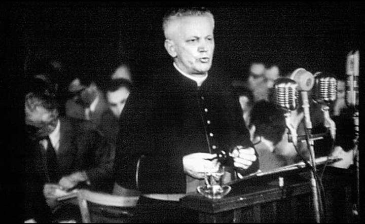 Biskup Kaczmarek podczas procesu