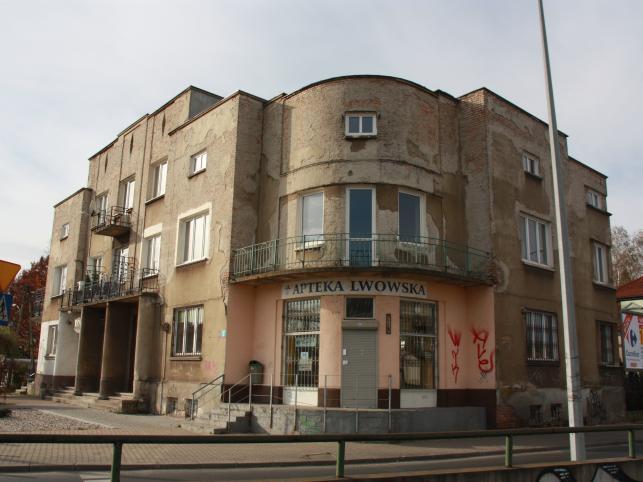 """Z zewnątrz trudno zgadnąć, że piwnice tego stylowego budynku kryją makabryczną tajemnicę. Opiekuje się nimi Fundacja """"Willa Jasny Dom"""""""