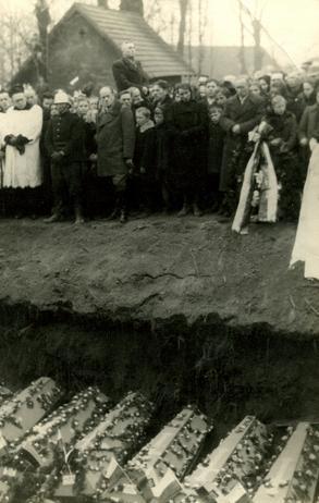 Publiczne egzekucje miały zastraszyć społeczeństwo polskie, b.d.m. [ze zbiorów IPN].