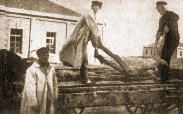Transport trupów na cmentarz