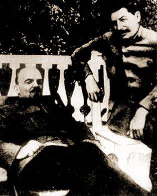 Włodzimierz Lenin iJózef Stalin wGorki