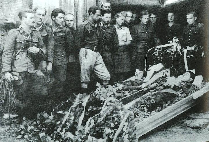 """Pogrzeb żołnierzy zoddziału """"Zapory"""""""