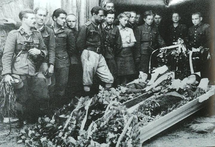 """Pogrzeb żołnierzy z oddziału """"Zapory"""""""