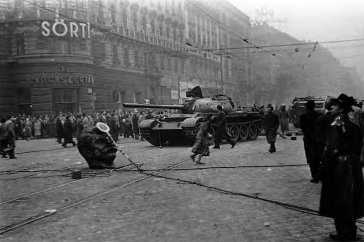 Czołgi na ulicach Budapesztu