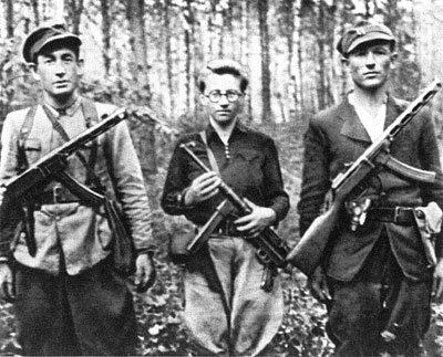 partyzanci z oddziału Bielskiego