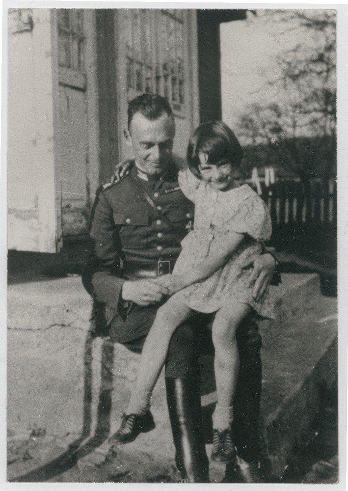 Witold Pilecki zżoną Marią isynkiem Andrzejem, Ostrów Mazowiecka, 1933 r.