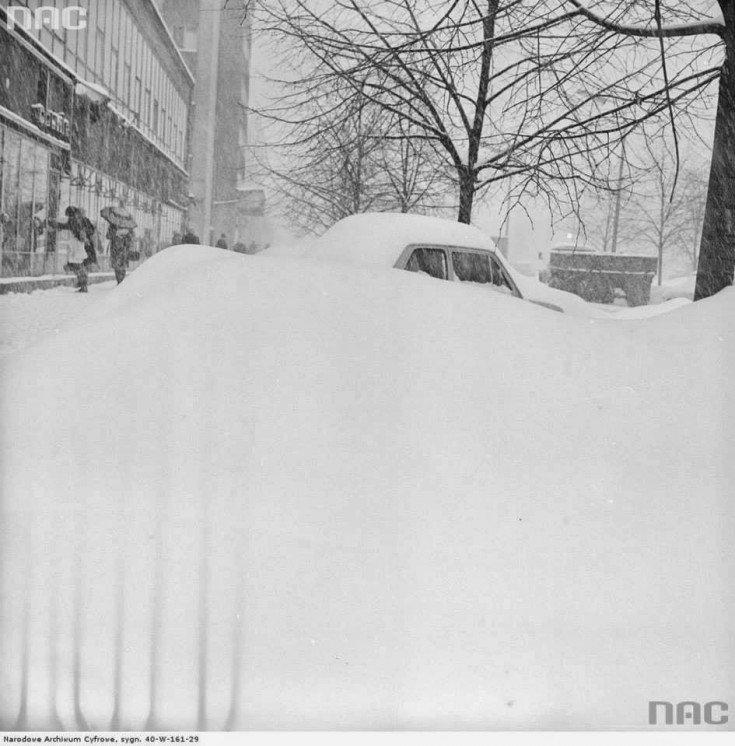 Zima Stulecia. Tak wyglądała stolica 30 stycznia 1979 roku