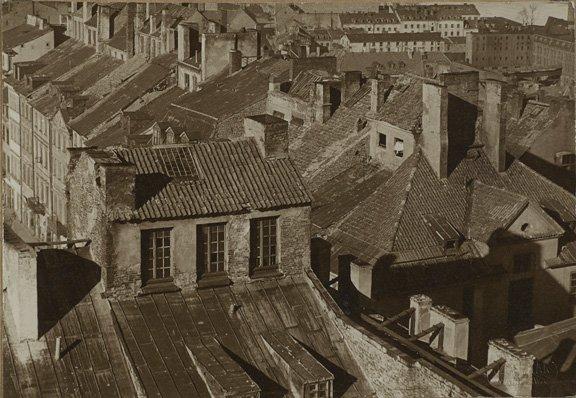 Warszawa. Widok na dachy Starego Miasta, 1920