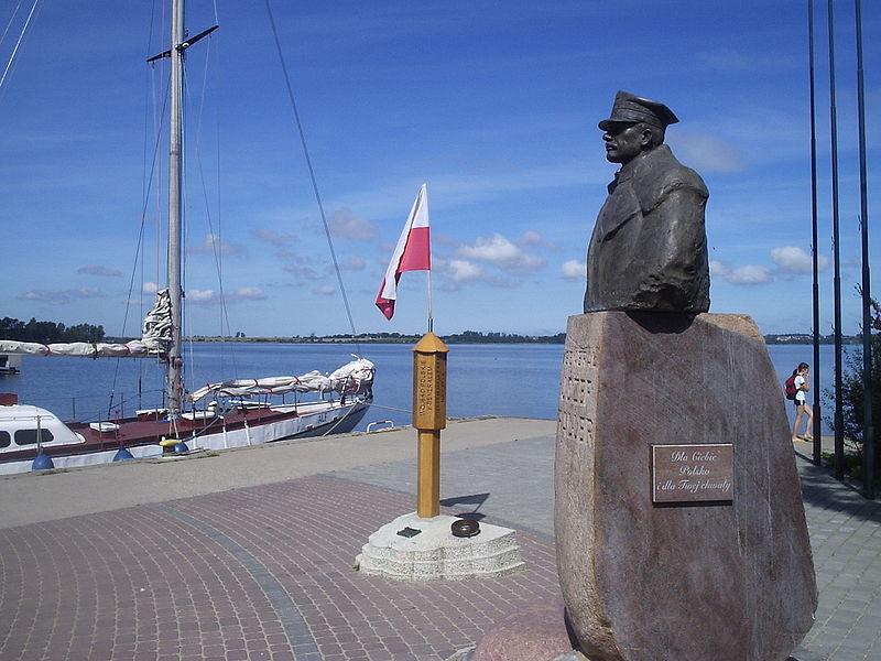 Puck. Pomnik Józefa Hallera