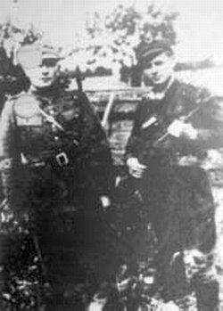 """Por. Władysław Łukasiuk """"Młot"""" ist. sierż. Józef Babicz """"Żwirko"""". Podlasie, 1946r."""