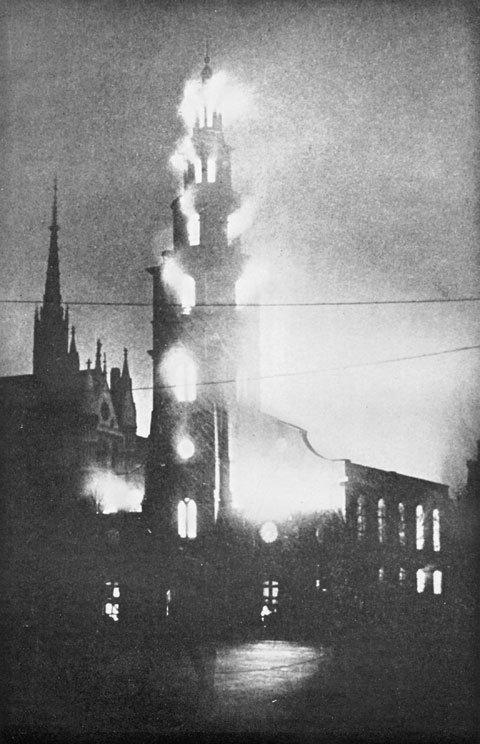 Kościół w płomieniach 10 maja 1941