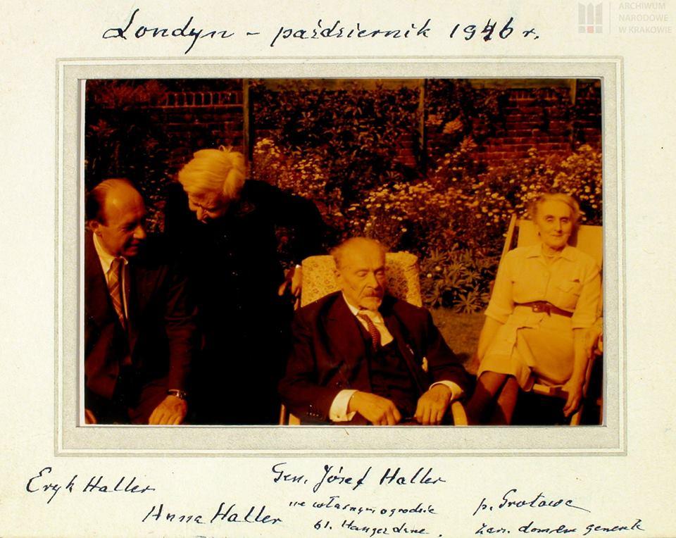 Gen. Józef Haller z synem, Erykiem Hallerem, i siostrą, Anną Haller, oraz p. Grotową, zarządzającą domem generała, 1956 r. [Data widoczna na zdjęciu jest mylna.]