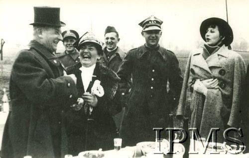Listopad 1937, Generał Bolesław Wieniawa-Długoszowski (w cylindrze)