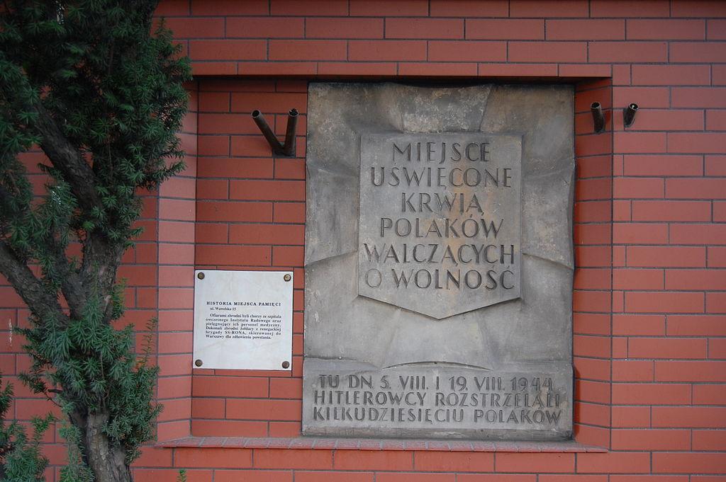 Tablica upamiętniająca pomordowanych w Instytucie Radowym