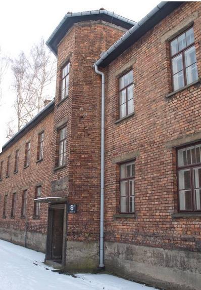 Blok nr 10 a(później nr 8 a), wktórym Antoniego Kocjana więziono wobozie Auschwitz