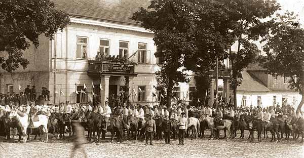 Defilada polskiej kawalerii wSejnach