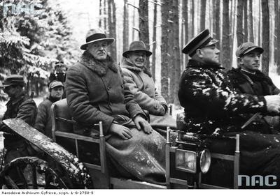 Prezydent Ignacy Mościcki i Marszałek Polski Edward Rydz Śmigły na polowaniu w lasach więcborskich Runowo Młyn w okolicach prezydenckiej rezydencji.