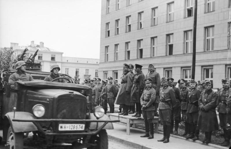 Wspólna parada Wehrmachtu i Armii Czerwonej w Brześciu, 22 września 1939