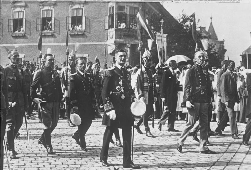 Budapest, Prozession zum Nationalfeiertag
