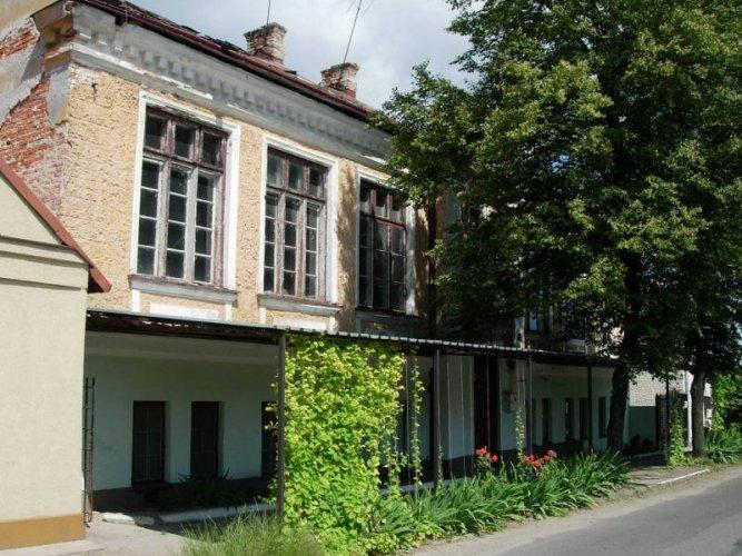 nieistniejacy-budynek-szkoly-podstawowej-w-goszczynie-budynek-z-1910-r.-667x500.jpg