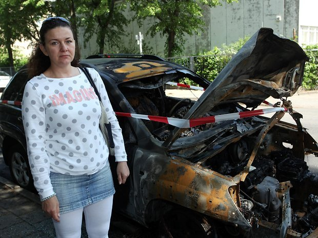 Niemiec spalił 30 polskich aut