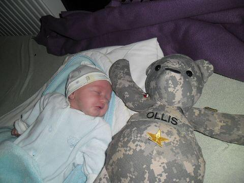 Mały Michał, syn porucznika Karola Cierpicy, otrzymał imię po amerykańskim sierżancie