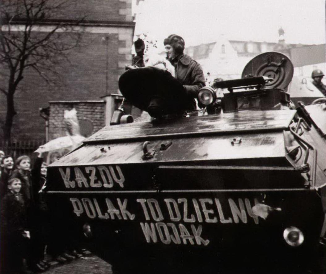Po powrocie do kraju (Źródło: Rok 1968. Środek Peerelu, Warszawa 2008)