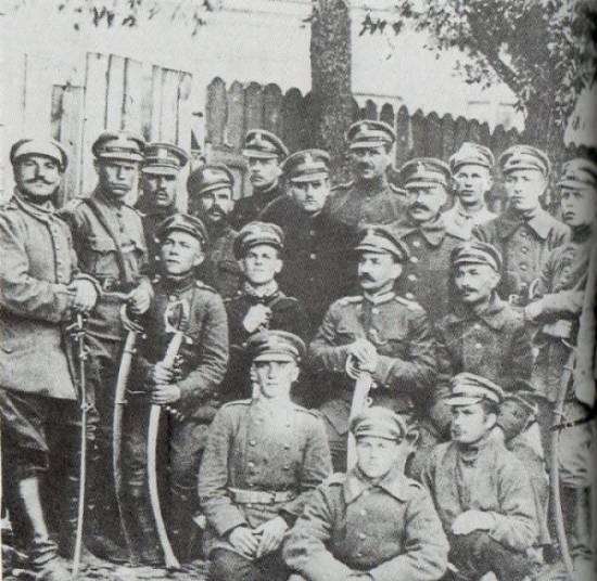 Żołnierze pułku tatarskiego w 1919 r.