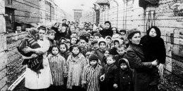 Auschwitz zbudowano dla Polaków. Dzisiaj jest synonimem Holokaustu
