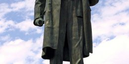 pomnik Włodzimierza Lenina / Wikipedia / Marcin Konsek